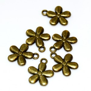 Charm floare bronz 15 mm