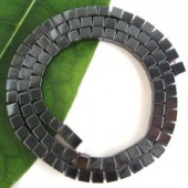 http://accesoriibijuterii.com/545-large/hematit-cubic-4-mm.jpg