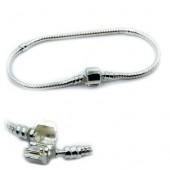 http://accesoriibijuterii.com/7661-large/bratara-pandora-argintie-18-cm.jpg