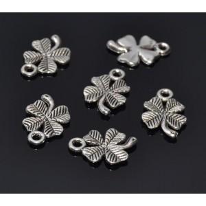 300 Charm trifoi norocos argintiu antichizat 15 x 10 mm