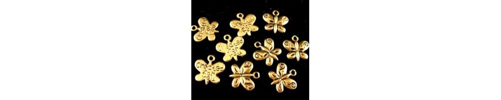 Charm-uri si pandantive aurii sau placate cu aur